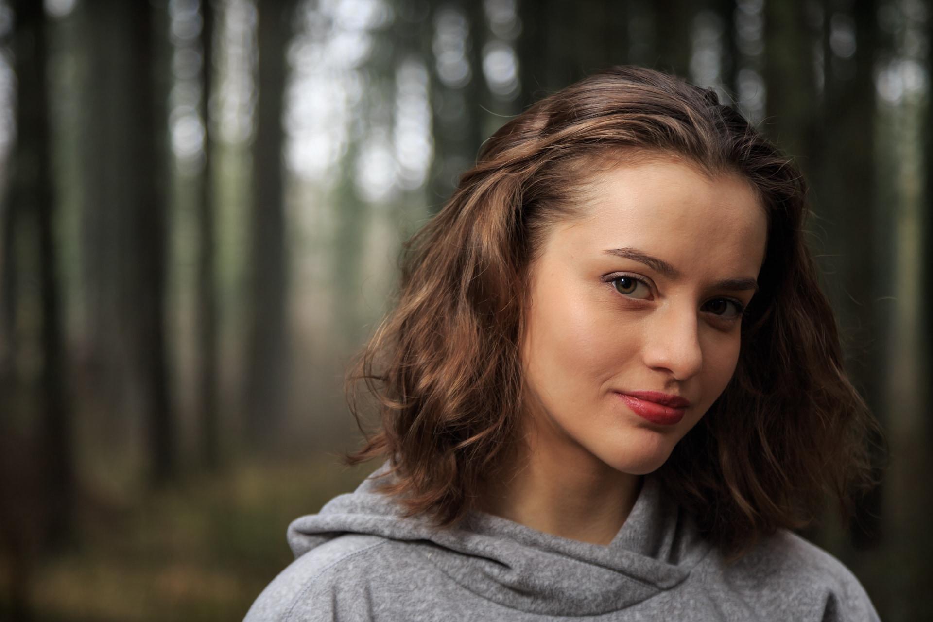 portrait-outdoor-foret-aurelie